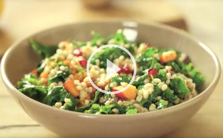 salatka-z-peczaku-z-jarmuzem-fit-easy