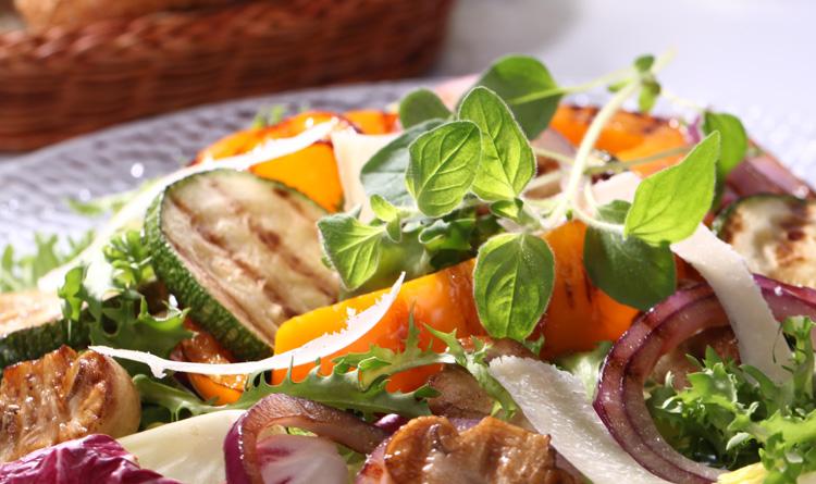 salatka-z-grillowanymi-warzywami