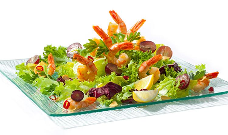 salata-z-krewetkami-i-chilli