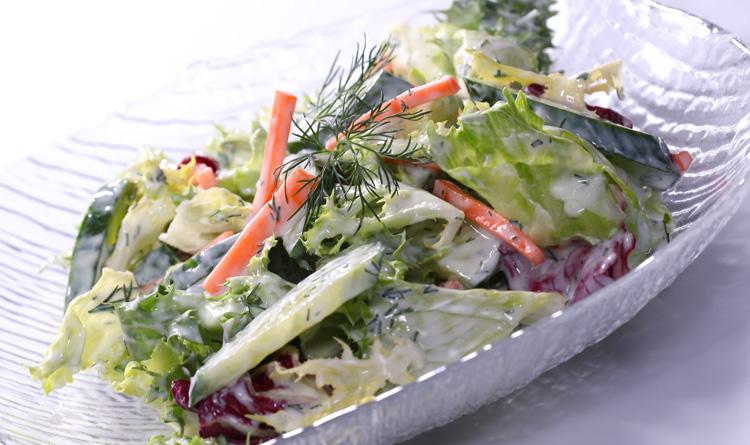 salatka-z-sosem-koperkowym