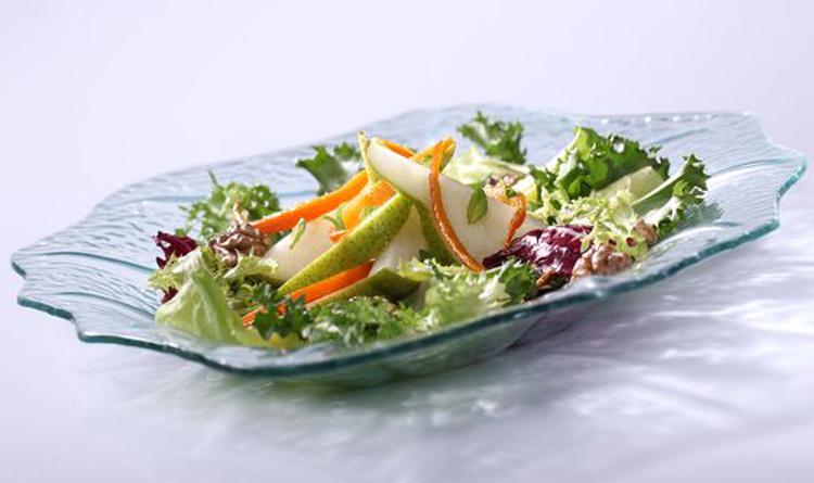 orzezwiajaca-salatka-z-gruszkami