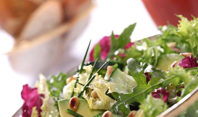 zielona-salatka-z-avocado