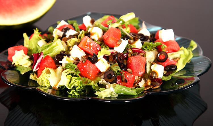 salatka-z-arbuzem