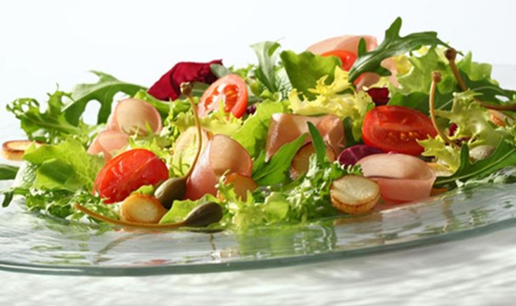 salatka-z-szynka-parmenska